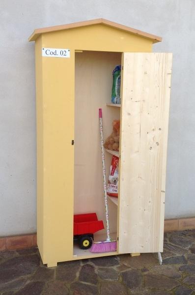 Casa immobiliare accessori armadio in legno da esterno - Armadietto legno per esterno ...